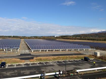 太陽光発電所訪ねて三千里。地球にも自分の懐にも優しい生き方を開拓する新エネルギーマニアの諸国漫遊記-上から見て